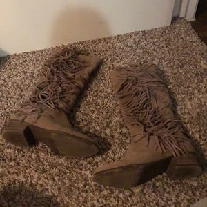 Madden Girl Pondo Taupe Boots 8